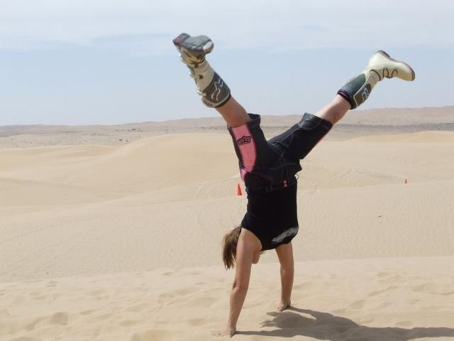 Scat Handstand!.jpg